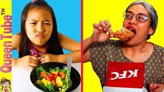 ละครสั้น สุดฮา😂 ของน้องควีน อาหารสุขภาพ Vs. ไก่ทอด KFC | Healthy Food Vs. KFC Funny Skit for Kids