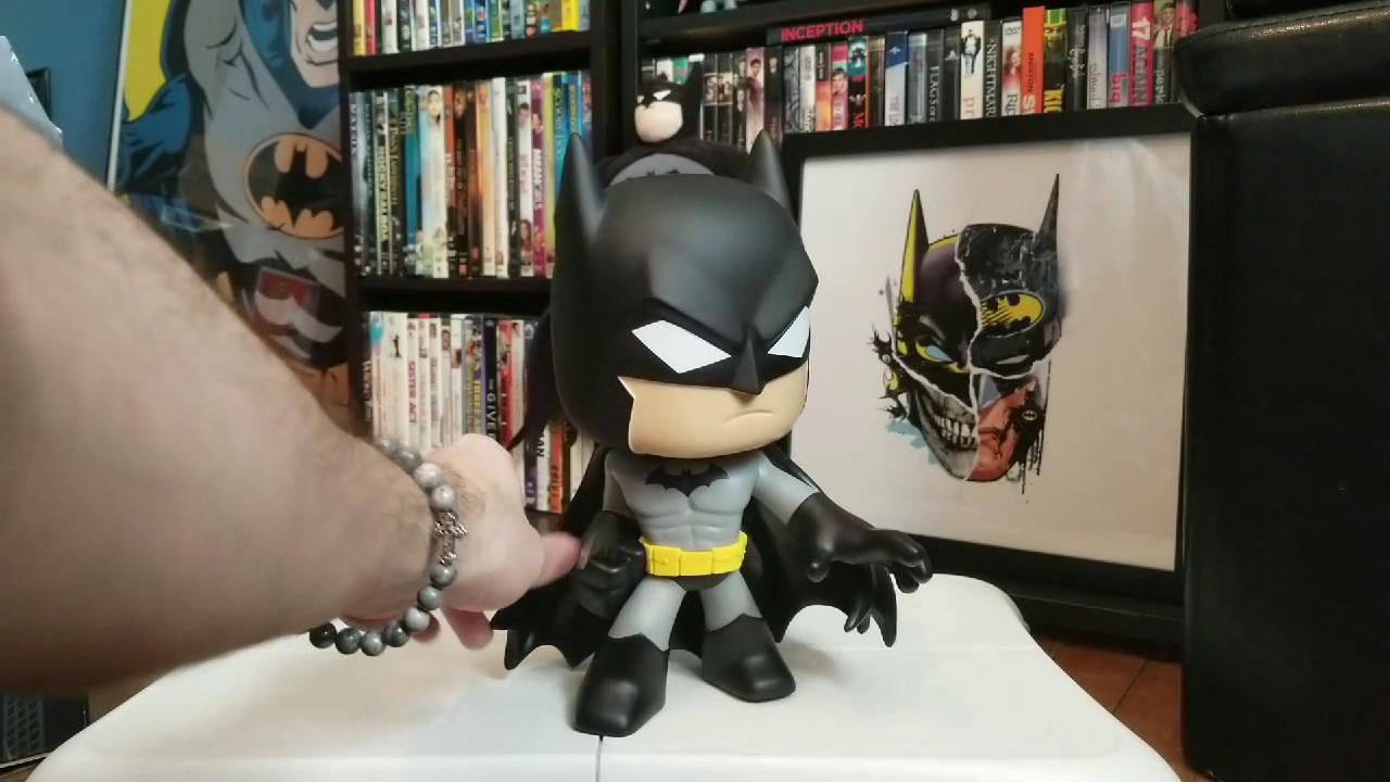 Batman Super Deluxe Vinyl Figure DC Comics Funko