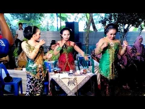 Wedus Gepeng Show live in Dondong