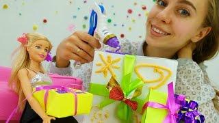Игры для девочек: новогодние подарки своими руками от #Барби. Детский канал для девочек на #ютуб(Смотри детский канал для девочек на ютуб, делай новогодние подарки своими руками вместе с Барби, играй в..., 2016-11-17T10:46:19.000Z)
