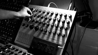 Elements Synthesizer External Input with Yamaha MR10 Drum Machine