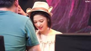 """190929 정연(Jeongyeon) 직캠, 트와이스(TWICE) """"Feel Special"""" 팬사인회 @여의…"""