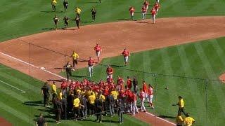 WSH@PIT: Harper hurt, Kang thrown at as benches clear