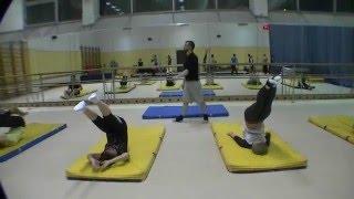 переднее сальто  Обучение новичков школа акробатики № 1