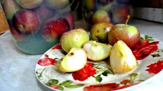 Моченые яблоки .