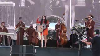 Kacey Musgraves - Oh, What A World (Coachella 2019)