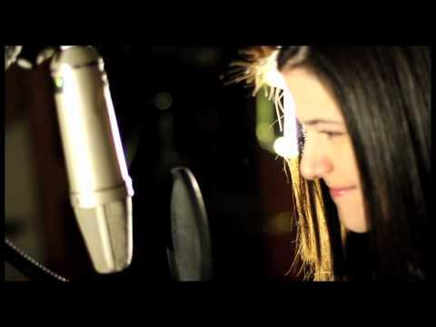Adele - Set Fire To The Rain (Cover By Sara Niemietz)
