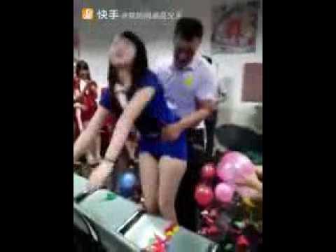 (BEJAT)seorang_karyawati_diperkosa_didepan_rekan2_