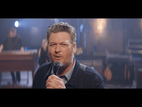 Смотреть клип Blake Shelton - Jesus Got A Tight Grip