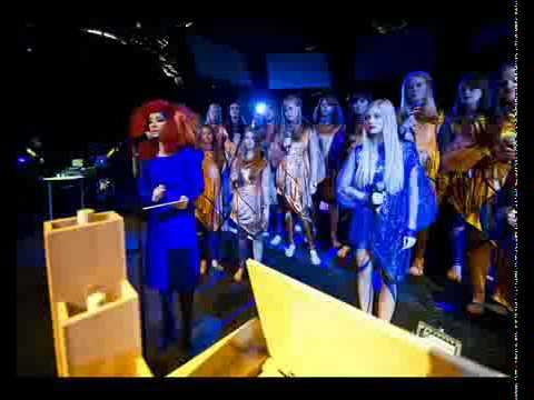 Björk live @ MIF (Biophilia) - Mutual Core (Full Song - Bad Quality).avi
