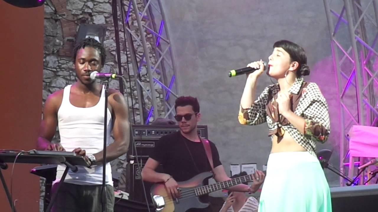 Dornik Leigh   Valentine. Live@En Lefko Festival, Technopolis, Athens    YouTube