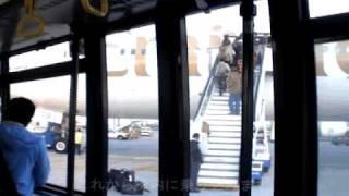 ドバイ空港を経ち、目的地のウガンダへ!