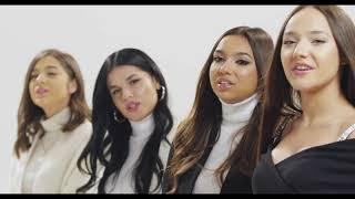 Смотреть клип Adrianna & Melvy & Cristina & Bia - Colinde Vechi, Colinde Noi