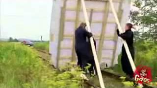 Repeat youtube video Kandi kamera : Vigyázz ha jön a vonat
