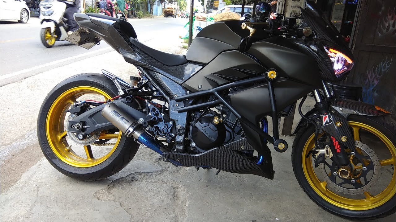 Ninja Z250 fi modifikasi full ,dengan body carbon kevlar