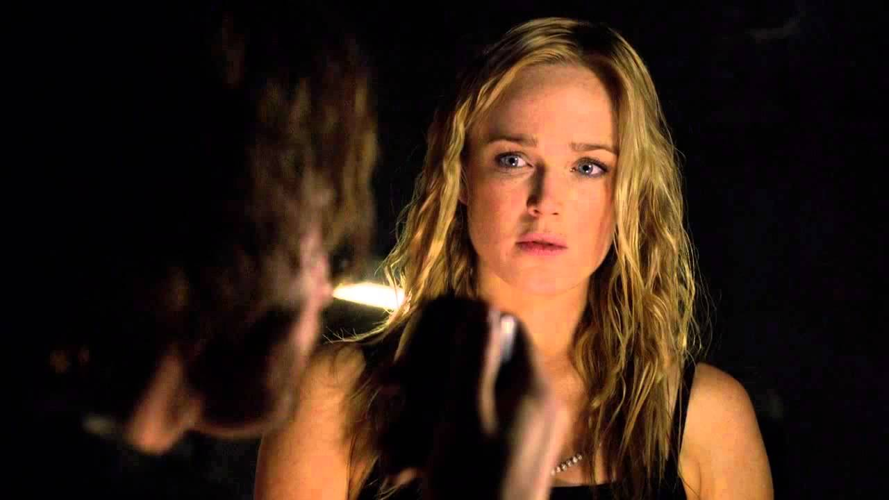 Black Canary Caity Lotz In Arrow 2x06 Flashback Youtube