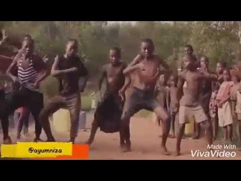 Kocak Banget Orang Papua Nari Lagu Selamat Ulang Tahun