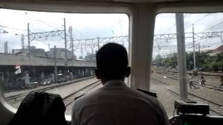 Perdana : cab riding KRL KFW I-9000stasiunTanjungPriok-jakartakota part 2