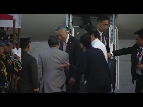 Singapore PM arrives in PH for Asean Summit
