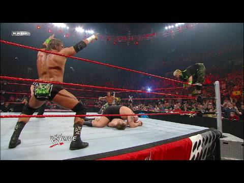 DX & Hornswoggle vs. Big Show, The Miz & Raw...