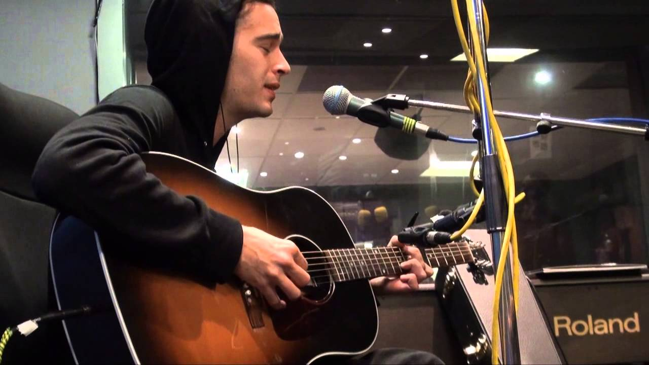 The 1975 - Chocolate (Acoustic) on Today Fm - YouTube