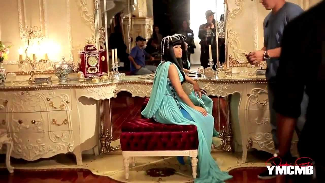 Nicki Minaj - Moment 4 Life ft.Drake (Behind the Scenes)