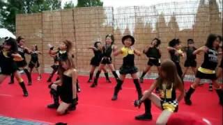 ピンクチャイルド 3、4年生 寝屋川まつり2011 thumbnail