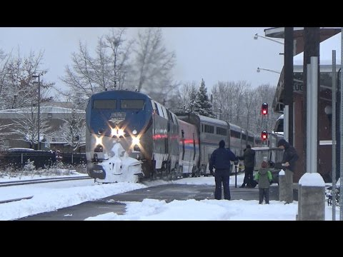 First Railfanning of 2017! Rare Snow Storm in Eugene, OR - AMTK and CORP 1-4-17!
