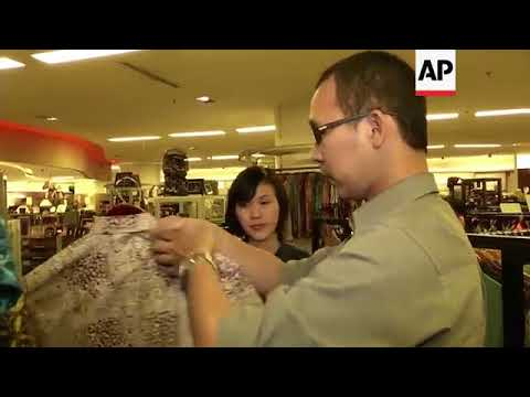 Indonesian factory produces eco bags with cassava roots
