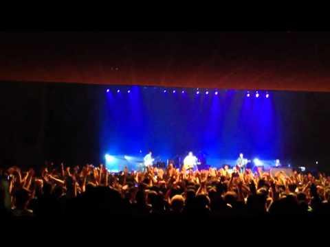 Half The World Away - Noel Gallagher's High Flying Birds