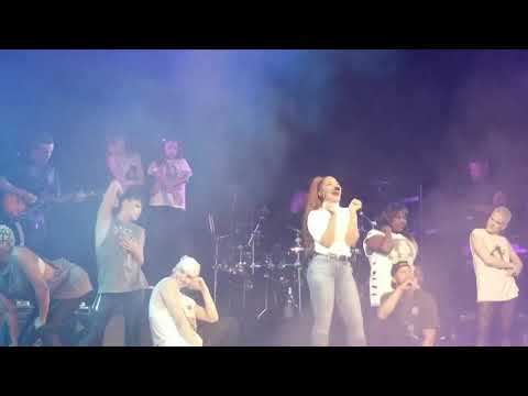 Janet Jackson - Dammn Baby (Concert Performance)