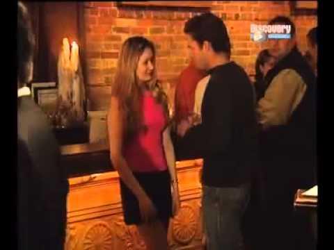 Flirt frau zwinkert