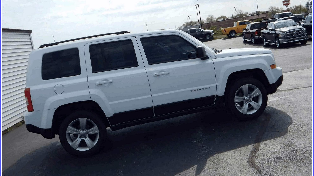 White jeep patriot