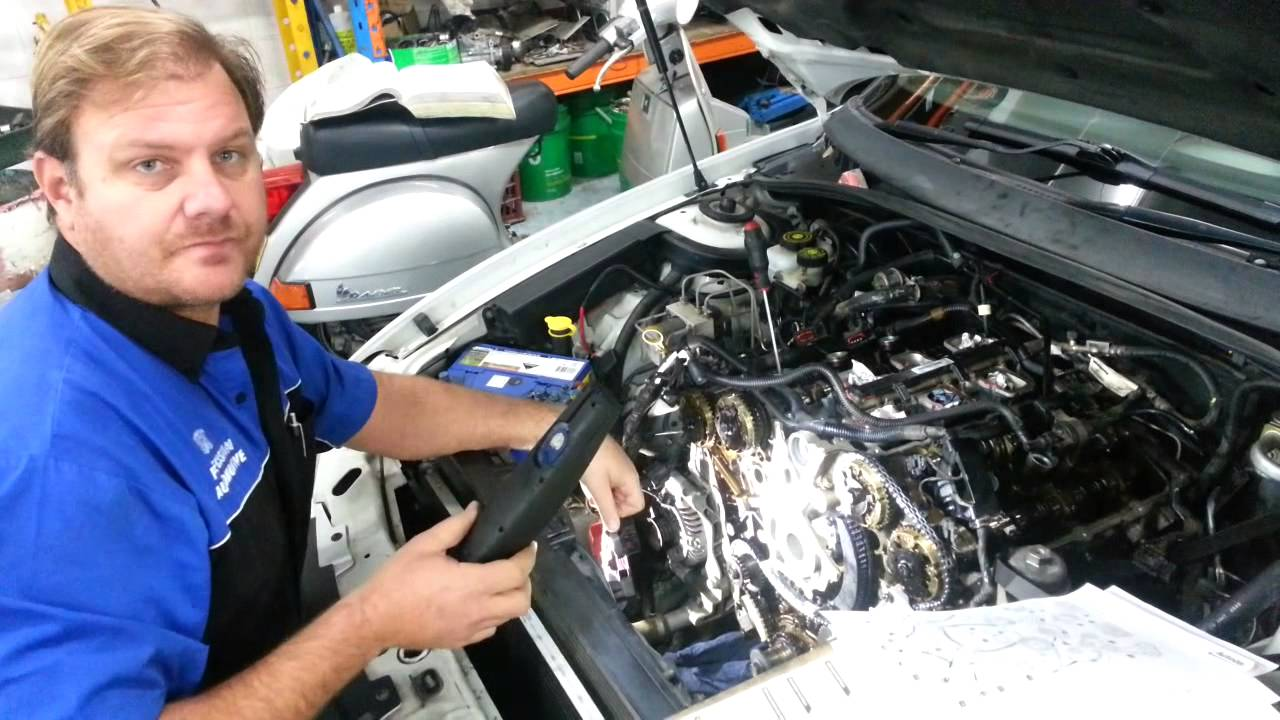 VZ Holden Commodore timing chain