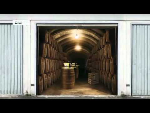 Garagentorbilder  Die perfekte Illusion: Fotofolien fürs Garagentor | euromaxx - YouTube