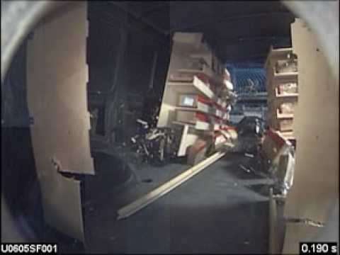 Crashtest einer fahrzeugeinrichtung aus holz 1 youtube for Kuchenstuhle aus holz
