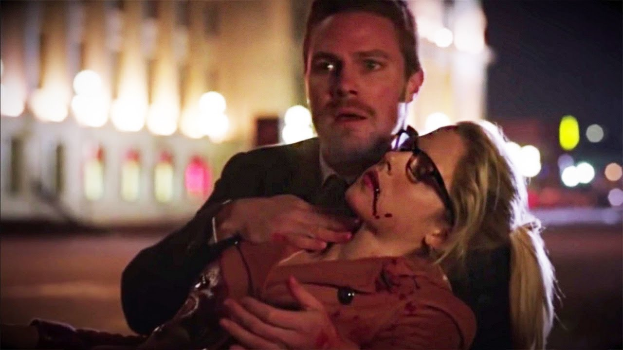 Every Time Felicity Smoak Almost Died (And every time she DID die)