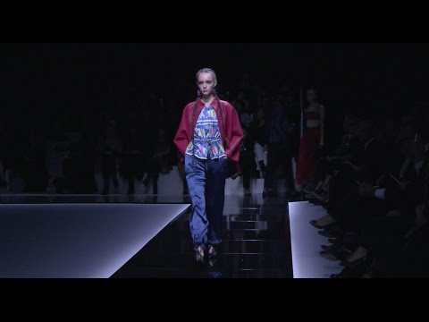Emporio Armani – 2017 Spring Summer Women's Fashion Show