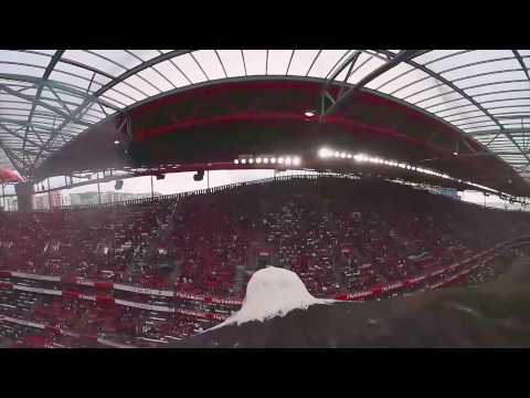 360° video: S.L. Benfica's mascot gives eagle's-eye view of the Lisbon stadium