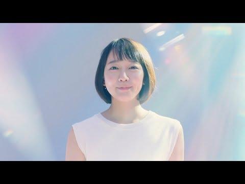 吉岡里帆、アカペラで優しい透き通った歌声披露 DIC企業ブランドCM「世界を彩りで変えていく。」篇&メイキング映像