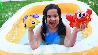 Bath Song Nursery Rhymes & Kids Songs