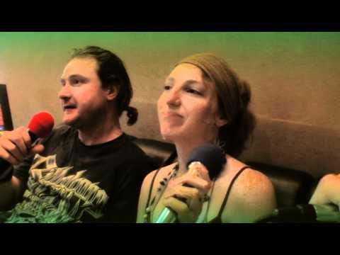 KTV in Taiwan: Karaoke in Asia 外國人在錢櫃