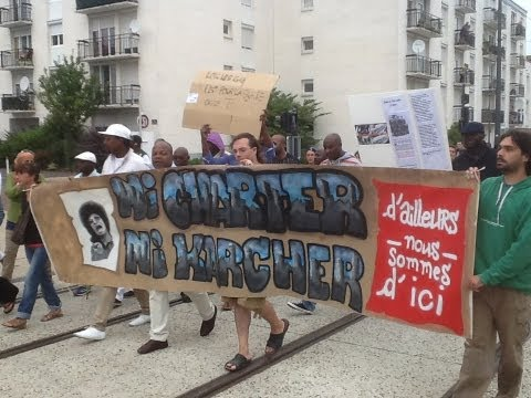 Honte a la police française manifestation a tours