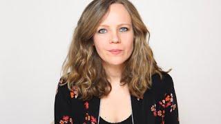 """Sarah Bosetti – Online-Lesung aus """"Ich hab nichts gegen Frauen, du Schlampe!"""""""