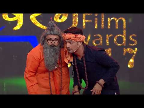 Manoj Tiger Aur Seema Singh Comedy At Oscar Movies Bhojpuri Sabrang Film Award 2017 PART 02