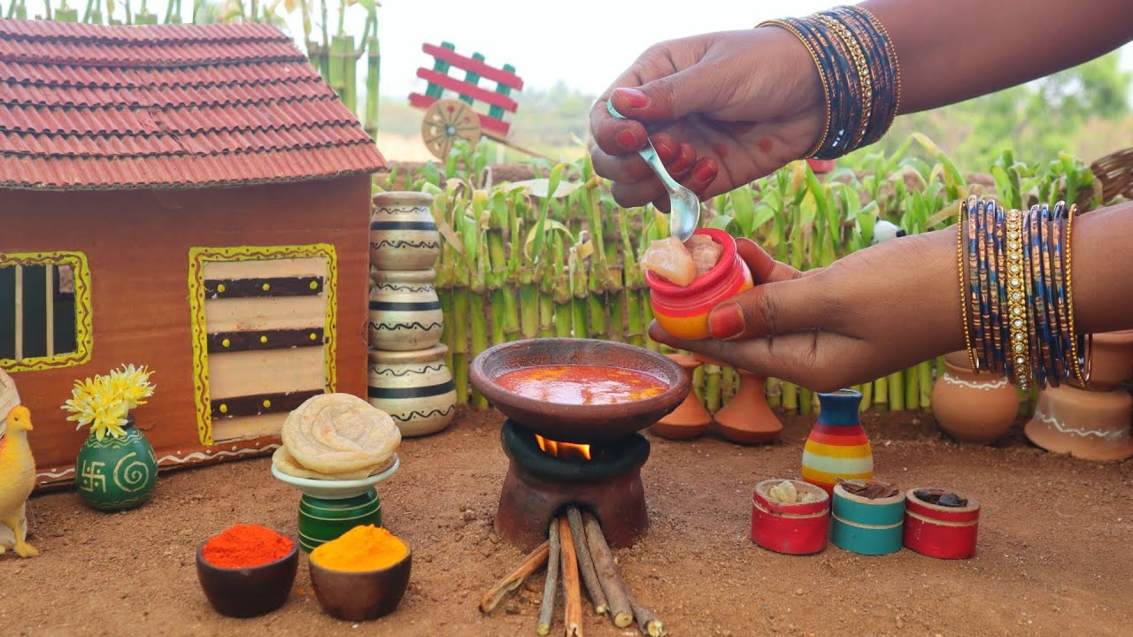 Miniature Dhaba Style Chicken Curry + Paratha | Chicken Gravy | Mini Foodkey