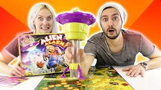 KAAN & NINA WERDEN VON ALIENS ENTFÜHRT! Alien Alarm auf dem Bauernhof! Spiel mit mir Kinderspielzeug