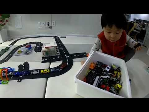 Waytoplay flexible rubber roads for open-ended play unboxing