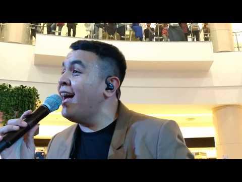 Tulus - Teman Hidup ( Live at Launching LLOYD @ Alam Sutera )