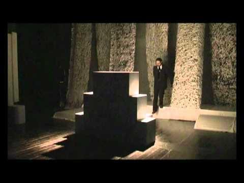 """Teatro del Loto. """"Nella terra della luna"""" di Riccardo Ricciardi."""